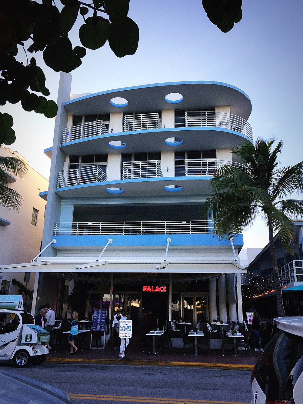 Place Bar on Ocean Drive